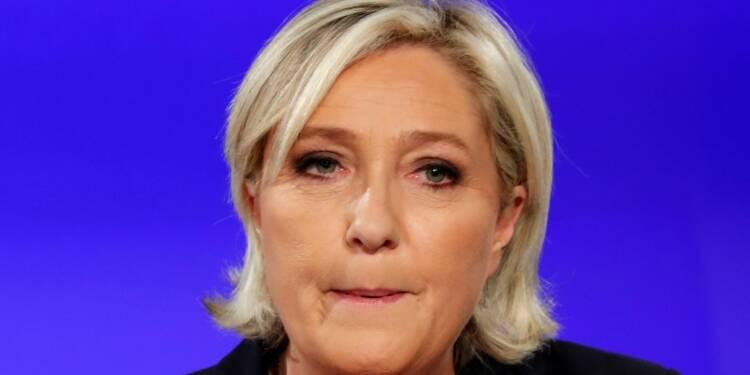 """Macron doit prendre la tête """"d'un Yalta du contre-terrorisme"""", dit Le Pen"""