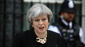 """Le niveau d'alerte maintenu à """"sévère"""" après l'attentat, dit May"""