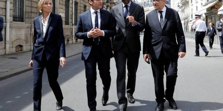 Macron et Philippe veulent mener six réformes sociales en 18 mois