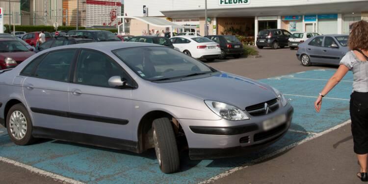 En Angleterre, vous pouvez gagner 11 euros en dénonçant une voiture mal garée