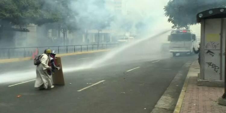 Venezuela: nouveaux affrontements entre policiers et opposition