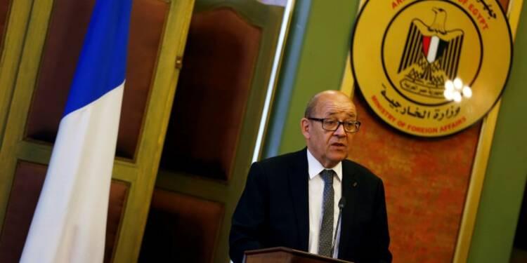 Le Drian veut s'assurer le soutien du Caire dans le dossier libyen