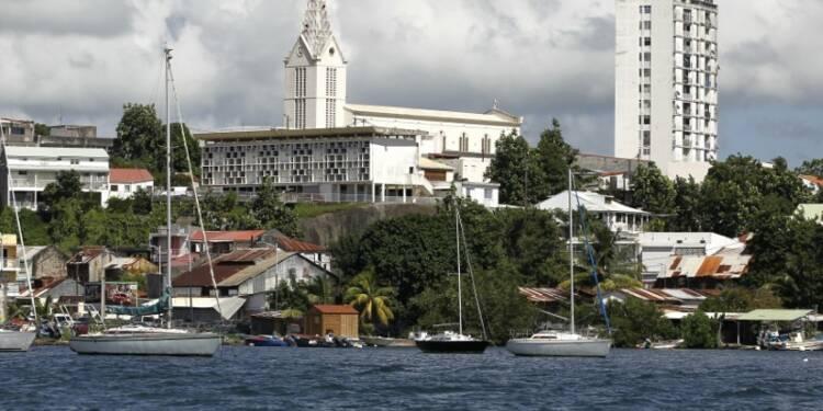 Aux Antilles-Guyane, les partis traditionnels éclatés