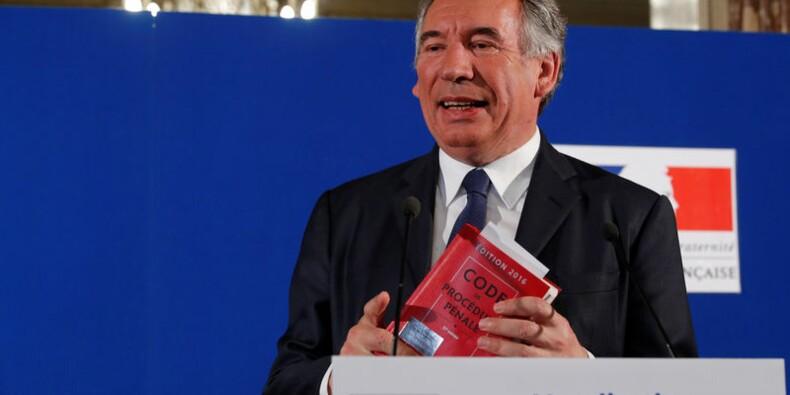 Les soupçons sur le MoDem ne fragilisent pas Bayrou, dit Philippe