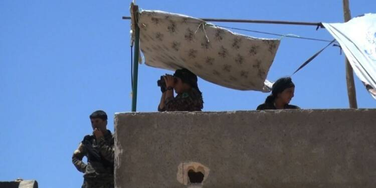 Syrie: violents combats à Raqa entre arabo-kurdes et jihadistes