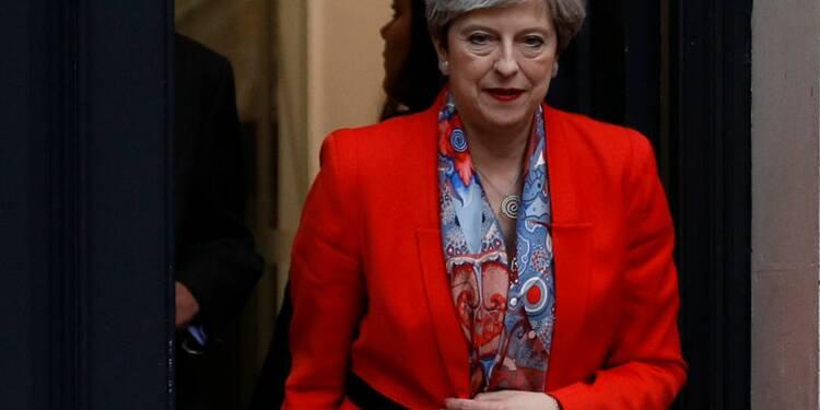 May va demander à la reine de pouvoir former un gouvernement
