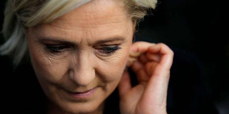 Le Pen, Macron et Fillon perdent un point chacun dans un sondage Opinionway
