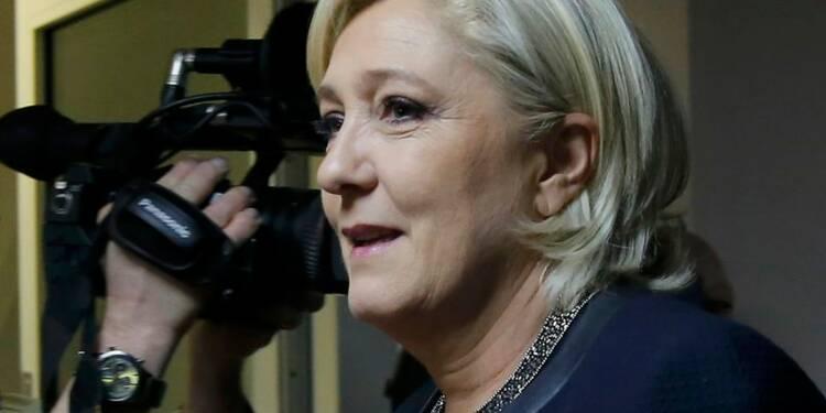 Le Pen (25%) devance Macron (24%) et Fillon (19%), selon un sondage Opinionway