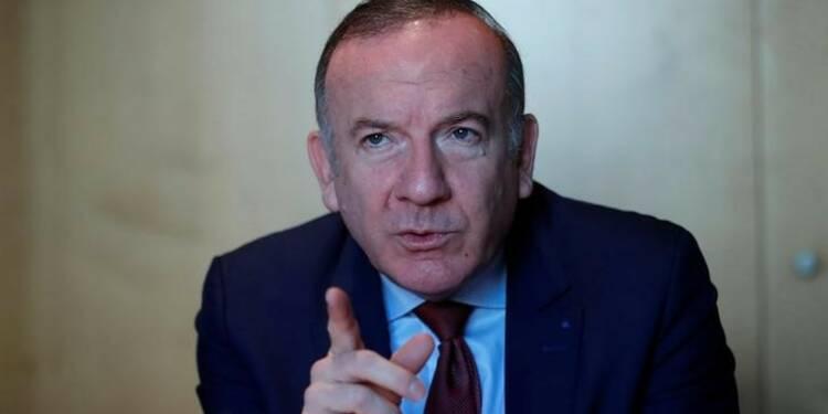 Une victoire de Fillon ou Macron relancerait la confiance, selon Gattaz