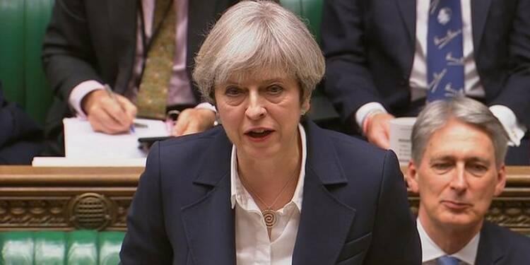 Theresa May enclenche le divorce avec l'Union européenne