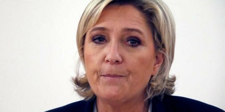 """Le Pen promet d'en finir avec la """"Françafrique"""""""