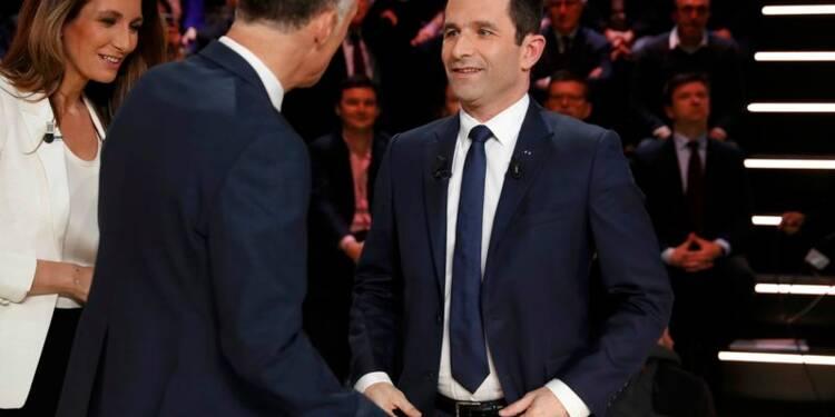 Hamon demande des comptes à Macron sur ses soutiens