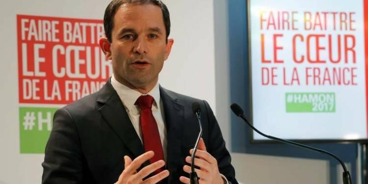 """""""On ne peut plus douter"""" que Le Pen soit d'extrême droite-Hamon"""
