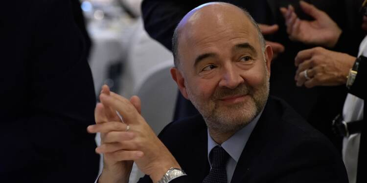 Pierre Moscovici aussi se serait fait offrir des costumes de chez Arnys