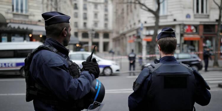 Alerte à la bombe levée au pôle financier à Paris