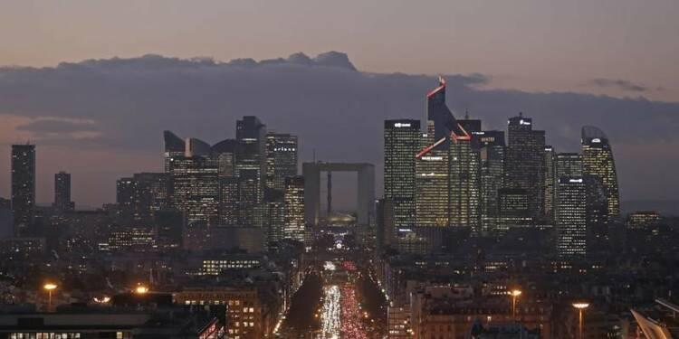 En France, léger infléchissement du climat des affaires en mars