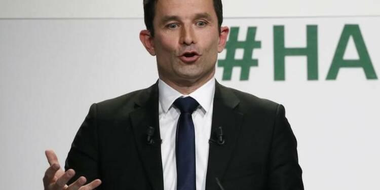 """Hamon juge que voter Macron par défaut serait """"une folie"""""""