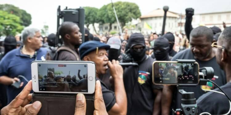 Guyane: réseaux sociaux et radios en continu, piliers de la mobilisation