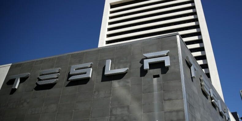 Etats-Unis: le marché automobile s'essouffle mais Tesla accélère