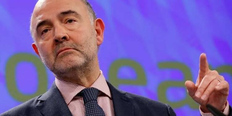 Moscovici s'est aussi fait offrir des costumes de luxe
