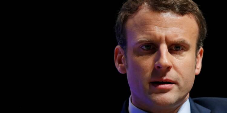 Macron et Fillon plébiscités par les Français de l'étranger, d'après un sondage BVA
