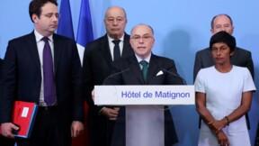 """Guyane: Cazeneuve appelle à """"poursuivre le dialogue"""""""