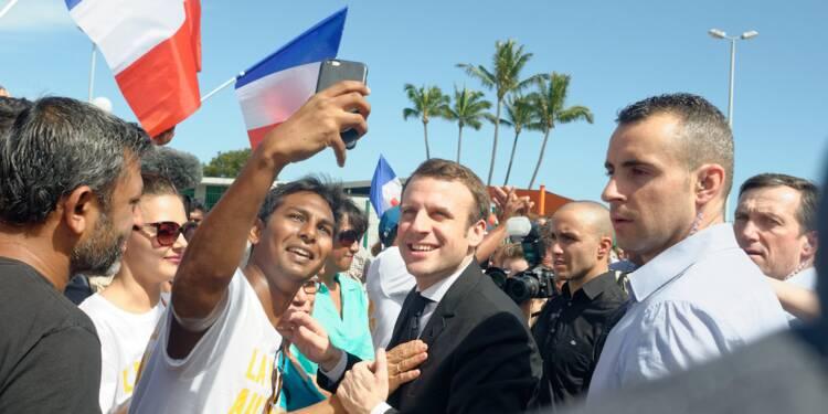 À la Réunion, Macron à la chasse aux voix