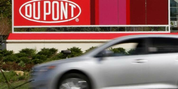 DuPont retire 1,6 milliard de dollars d'un échange d'actifs avec FMC