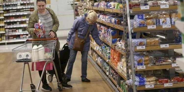 Plus forte baisse des ventes au détail en Grande-Bretagne sur trois mois depuis 2010