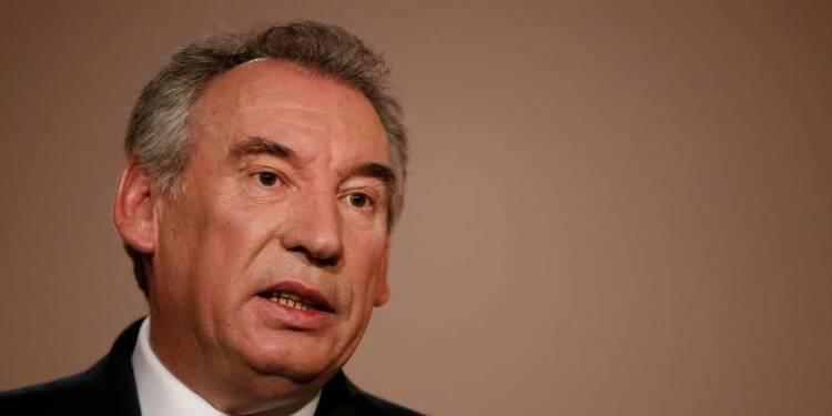 """Bayrou déplore une campagne """"hystérisée"""" par le camp Fillon"""