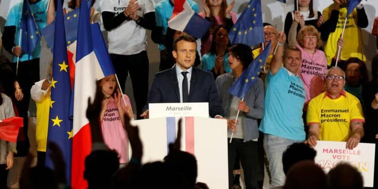 """Entretien """"républicain"""" entre Macron et Estrosi à Marseille"""
