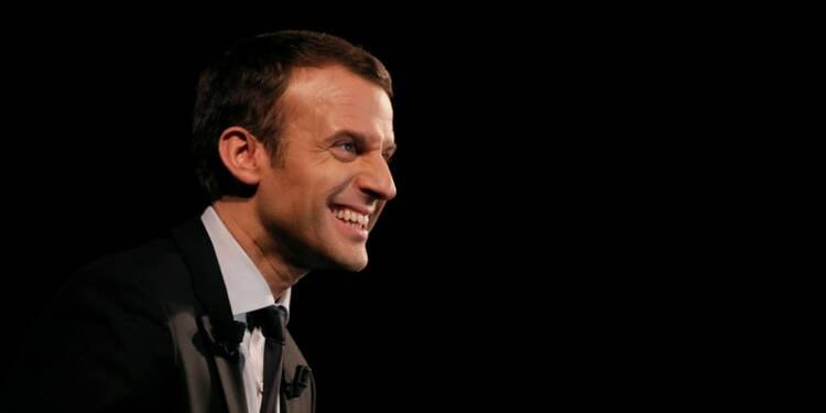 Macron toujours donné en tête du premier tour, d'après un sondage Ifop-Fiducial