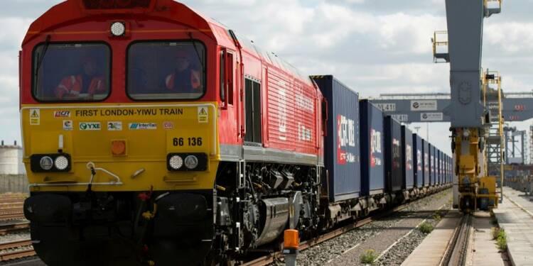 Départ de Londres du premier train de marchandises pour la Chine
