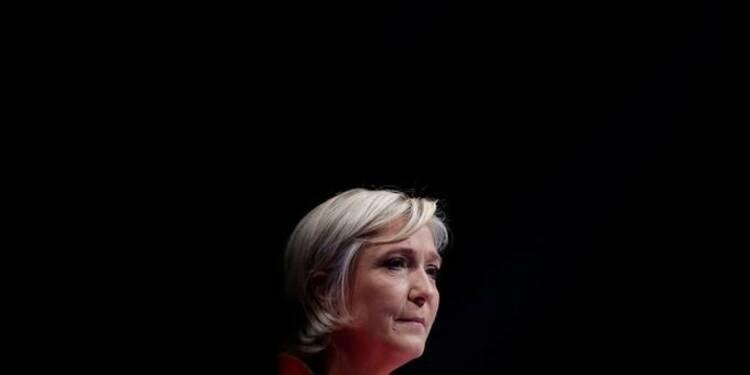 """Le Pen veut mettre fin à la """"Françafrique"""", abolir le franc CFA"""