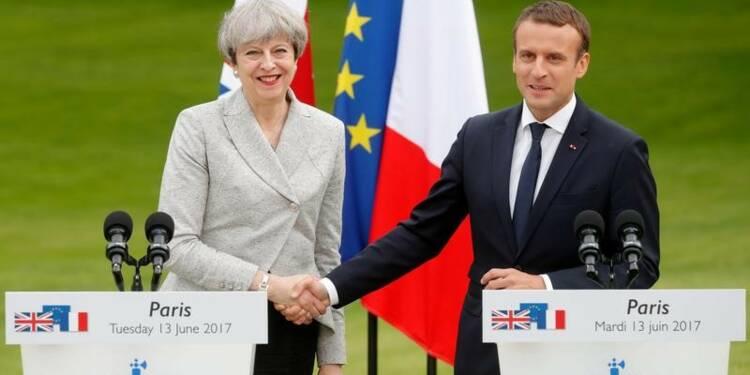"""Macron et May s'attaquent au """"terrorisme en ligne"""""""