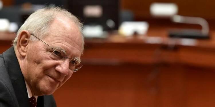 La BCE doit vite engager la normalisation, dit Schäuble