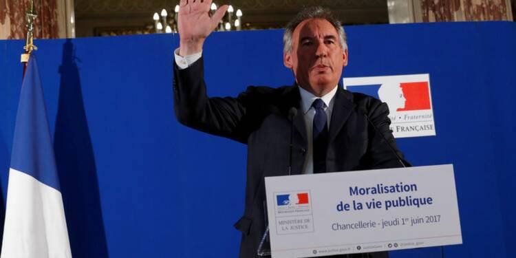 Philippe critique Bayrou pour ses pressions sur des journalistes
