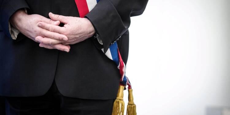 Député sur le départ, Gilles Bourdouleix s'octroie une augmentation de son indemnité de maire