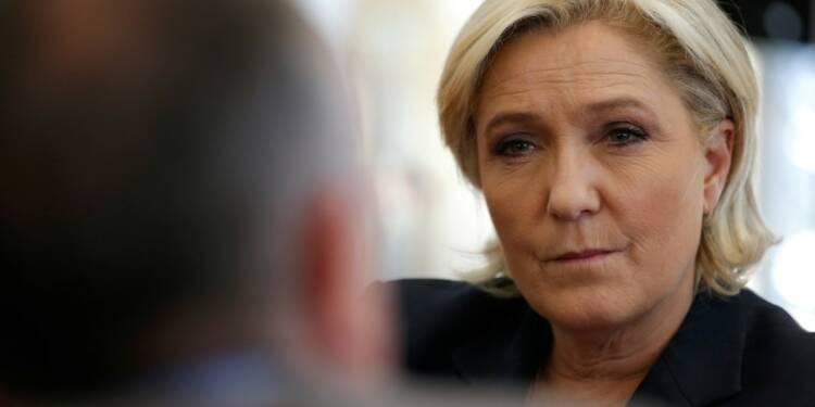 """Le Pen croit à la fin de """"la légende du plafond de verre"""""""