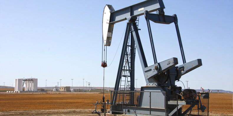 Le pétrole rechute lourdement après avoir inscrit un pic majeur