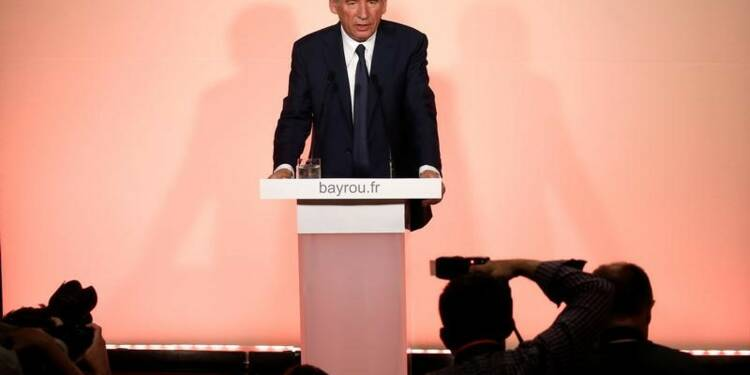 "Bayrou reconnaît que le MoDem a ""recasé"" des salariés à Bruxelles"