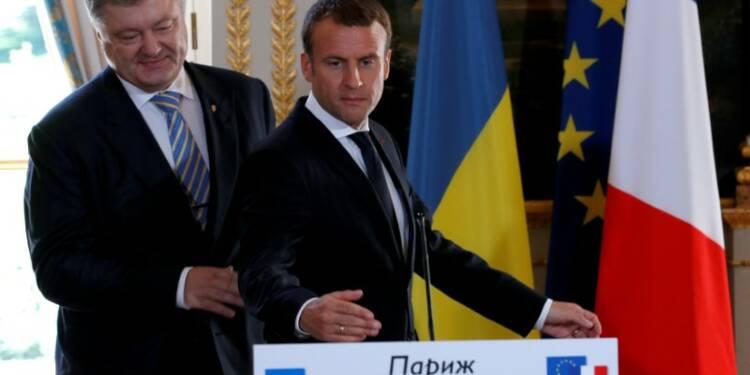 Macron écarte pour l'heure toute alternative à l'accord de Minsk