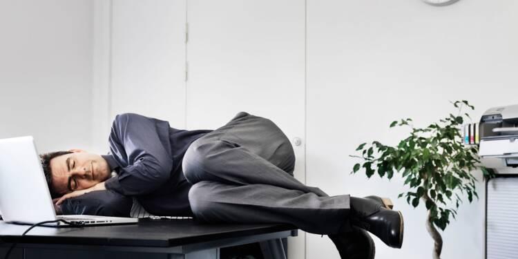 Faut-il accepter la sieste au bureau entre midi et deux ?