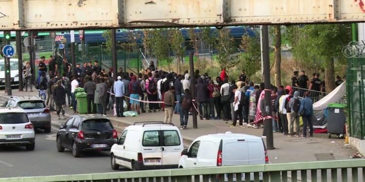 Paris: près de 1.200 migrants Porte de la Chapelle