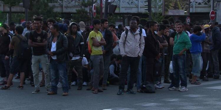 Plus de 2000 migrants évacués de leur campement à Paris