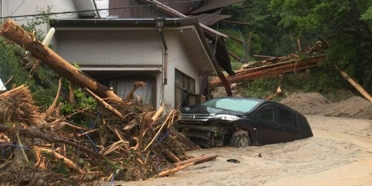 Crues dans le sud du Japon: au moins six morts, 20 disparus