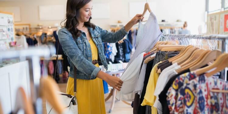 Plus rien n'empêche les magasins de vêtements d'ouvrir le dimanche