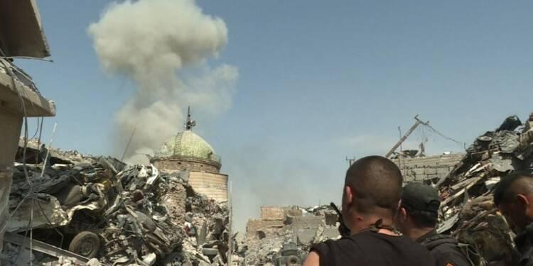 A Mossoul, l'armée nettoie l'ultime poche de résistane de l'EI
