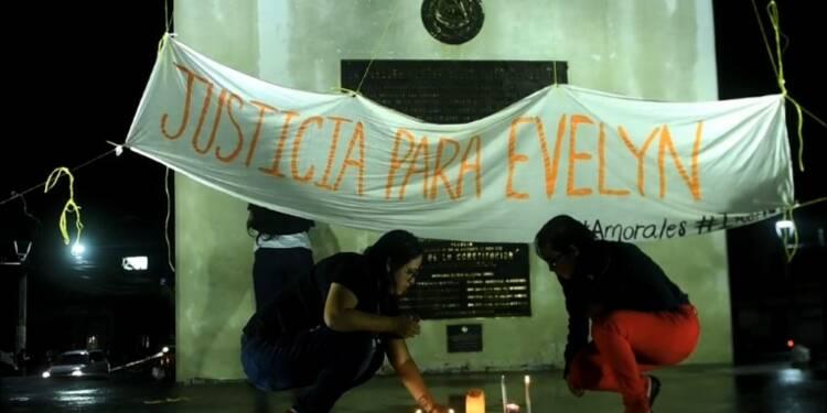 Salvador: manifestation de soutien à une ado violée et condamnée