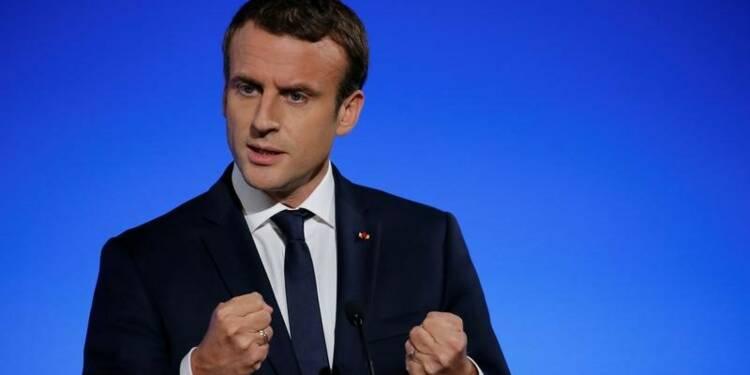 Défense: Macron balaie les critiques et promet 34,2 milliards d'euros pour 2018